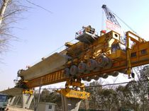 Launching girder