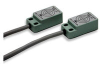 Magnetic proximity switch / rectangular