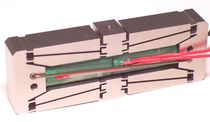 Linear piezoelectric actuator / amplified