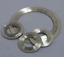 Flat seal / metal