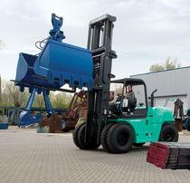 Ride-on forklift / diesel engine / handling / for heavy loads