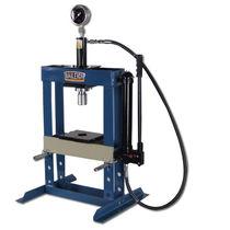 Hydraulic press / workshop