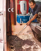 Oil and chip vacuum cleaner / single-phase / industrial / mobile