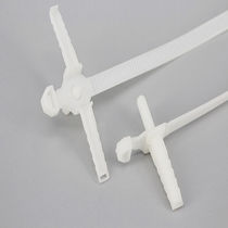Plastic cable tie / outside serrated / with fastener / stud-mount