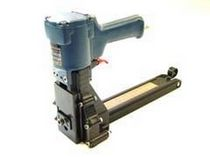 Pneumatic stapler / for carton sealing