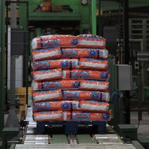 Transport conveyor / driven roller / cement