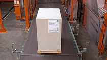 Belt conveyor / pallet / carton / stationary