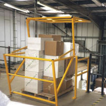 Pallet safety gate