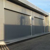 Lift-and-slide shutters / indoor / insulated