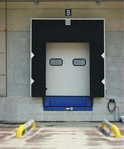 Flexible dock shelter