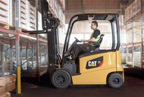 Electric forklift / ride-on / for the beverage industry / for the automotive industry