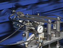 Grease lubrication system / chain