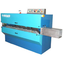 Profile extrusion line filler and cutting unit / for pipe extrusion lines
