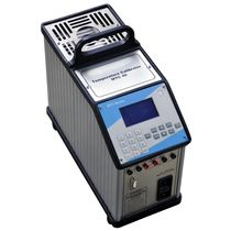 Temperature calibrator / for RTD sensors / desk / portable