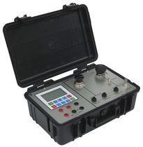 Pressure calibrator / desk / portable / precision
