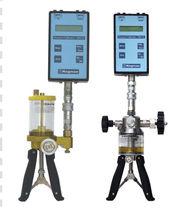 Pressure calibrator / portable / hydraulic