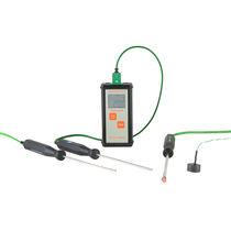 Waterproof thermometer / probe / digital / portable