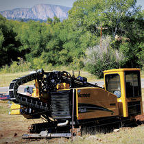 Horizontal directional drilling rig / crawler / rotary / hydraulic