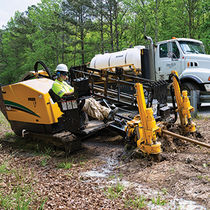 Horizontal directional drilling rig / crawler / rotary / hydraulic
