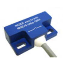 Inductive proximity switch / rectangular