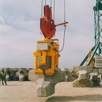 Hydraulic load lifting grab