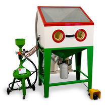 Pressure abrasive blasting room / manual
