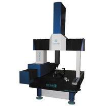 Bridge coordinate measuring machine / multi-sensor / high-precision
