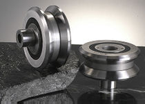 Linear bearing unit / roller / metal