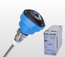 Capacitive level switch / for solids / for liquids / high-temperature