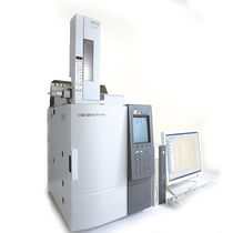 Gas chromatograph / multi-detector / laboratory