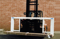 Leveling pallet fork / for forklift trucks / steel