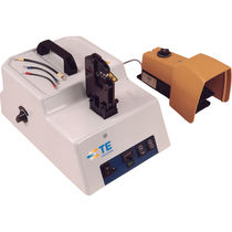 Manual assembly machine / for industrial applications