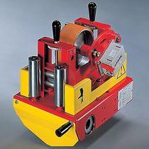 Wire metering equipment