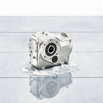 Orthogonal gearmotor / helical / shaft-mounted / stainless steel