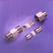 Probe feedthrough / for tubes / multiple-element / split