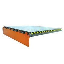 Electro-hydraulic dock leveler / with articulated lip