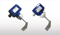 Rotary paddle level switch / for bulk materials / threaded