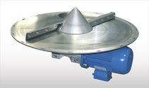 Centrifugal extractor for bulk products