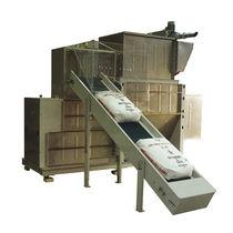 Bulk material bag unloader / automatic