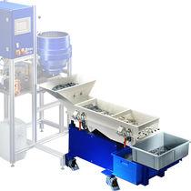 Linear vibrating screener / for bulk materials