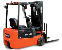 3-wheel electric forklift truck 2 000 - 3 200 lb  Doosan Infracore America Corporation