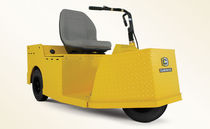 3-wheel electric towing tractor max. 5 000 lb, 36 VDC  Cushman Textron