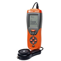 Digital light meter / with data logger