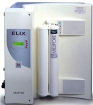 Laboratory water purification unit