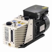 Rotary vane vacuum pump / lubricated / two-stage / low-noise