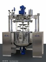 High-shear homogenizer / batch / for pharmaceutical applications / vacuum