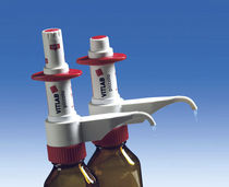 Automatic dispenser / for vials