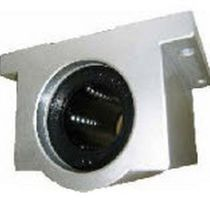 Self-aligning bearing unit / roller / metal