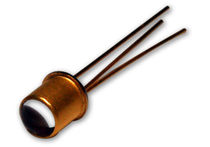Coaxial reflective photoelectric sensor / cylindrical / laser