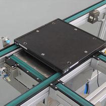 Belt conveyor / for pallets / horizontal / transport